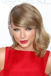 Click image for larger version.  Name:TaylorSwiftJStoneShutterstock.jpg Views:6 Size:14.2 KB ID:857